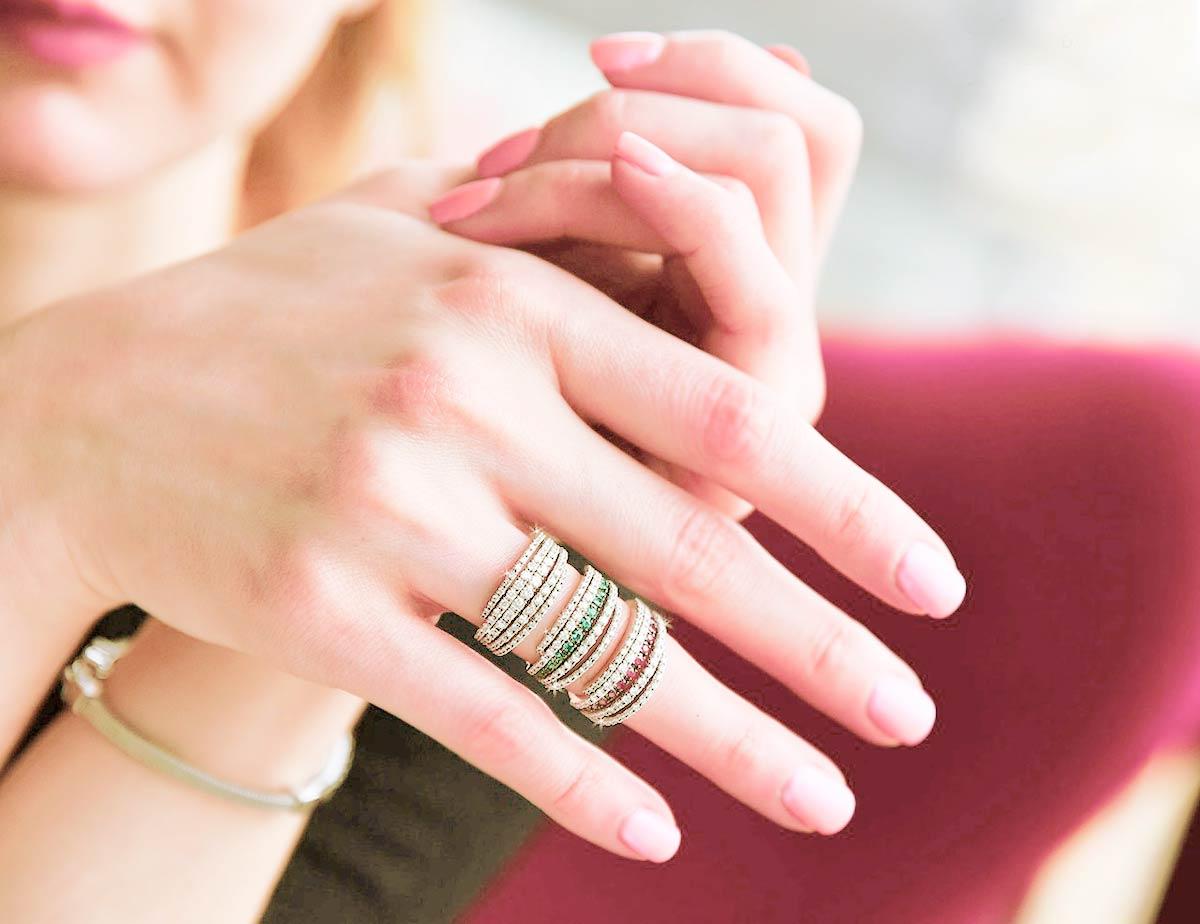 anillos de piedras preciosas